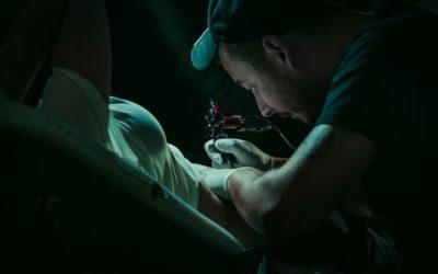 Tatouage sans ressentir la moindre douleur